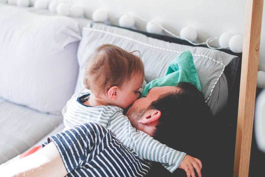 6 petites astuces pour détendre bébé avant sa nuit