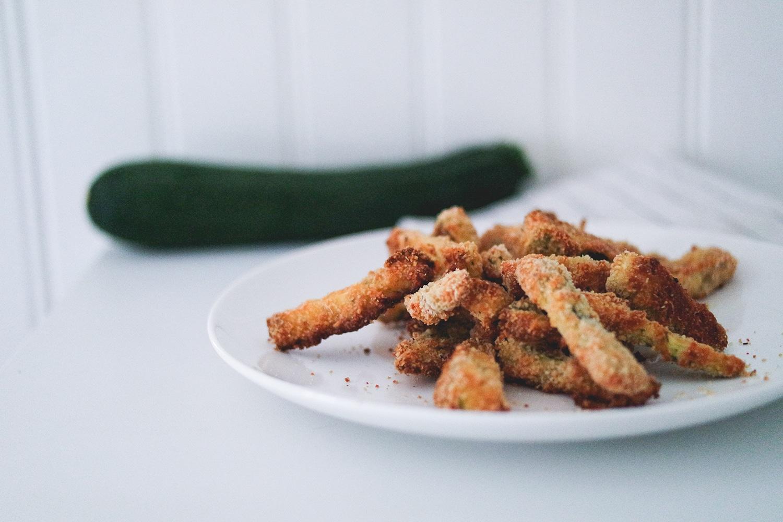 Recette : Frites de courgettes au parmesan et herbes de provence (au four)