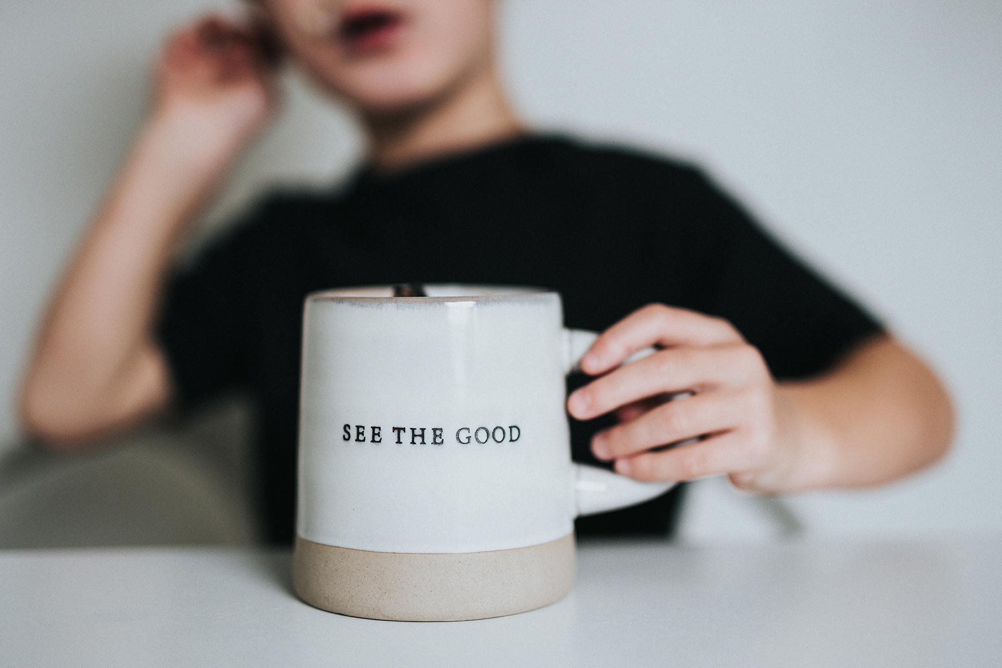 Pourquoi être optimiste favorise le bonheur?